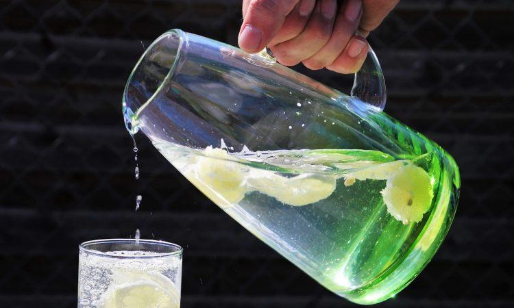 bere acqua sport