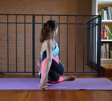posizione signore dei pesci yoga